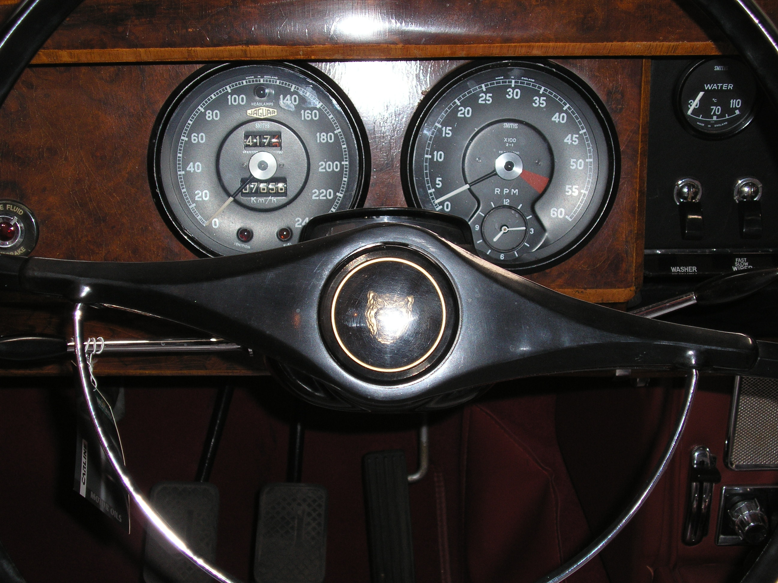 jaguar mk ii a traditional car tradition hotels. Black Bedroom Furniture Sets. Home Design Ideas